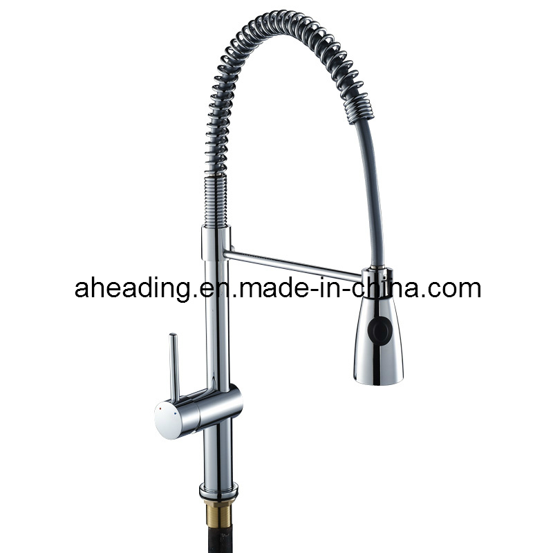 Single Hand Brass and Zinc Alloy Handle Kitchen Mixer